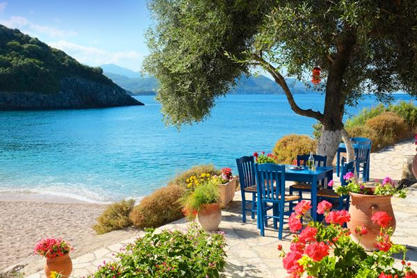 Luxury Greece Holidays 2019/20 | Simpson Travel