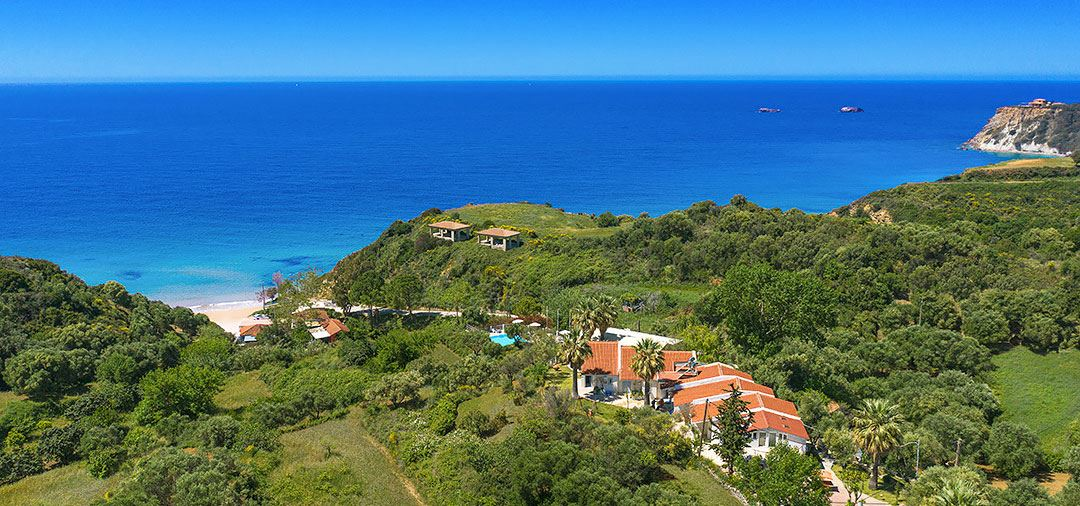 Avithos Beach Estate | A series of secluded suites near Avithos
